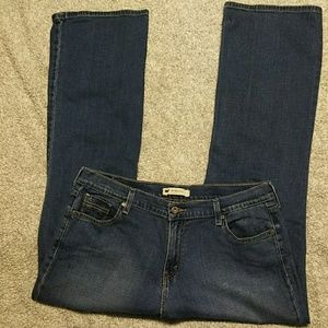 Levi's 515, 16M, boot cut, med. wash jeans.